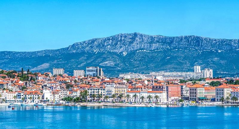 Split, Hrvaška - obala in gore