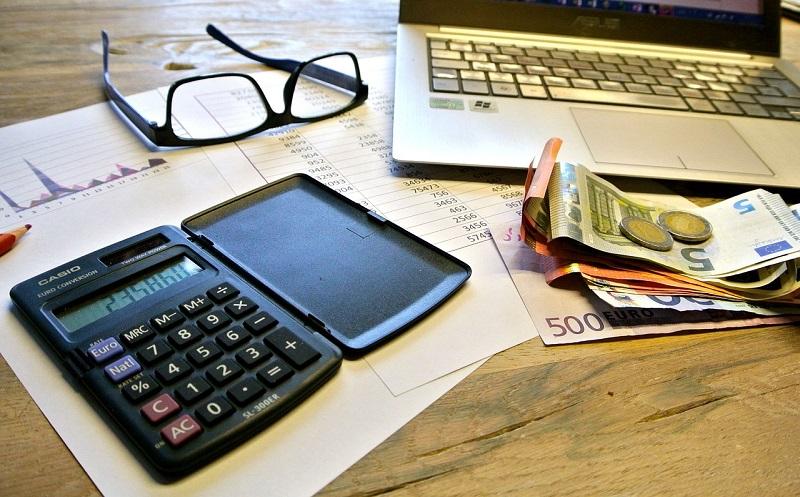 Življenjski stroški in izdatki gospodinjstev v Sloveniji